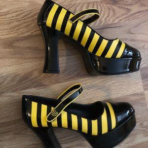 Funtasma Patent Leather Mary Jane Bee Shoes Size 8